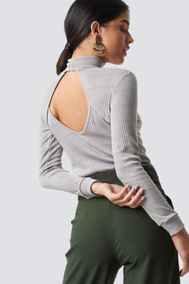 Trendyol Open Back Knitted Blouse Gray