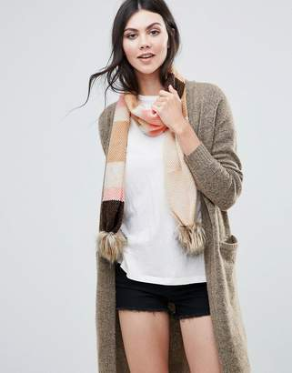 Alice Hannah Moss Stitch Scarf With Faux Fur Bobble