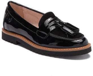 Venettini Stella Tassel Penny Loafer (Little Kid & Big Kid)