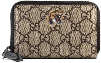 Gucci Tiger print GG Supreme zip card case