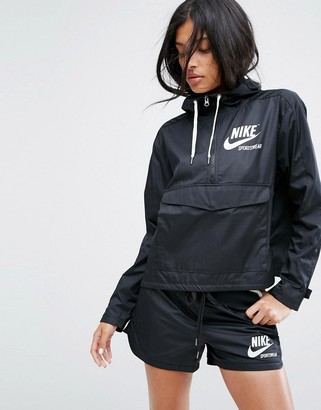 Nike Archive Pro Woven Jacket In Black