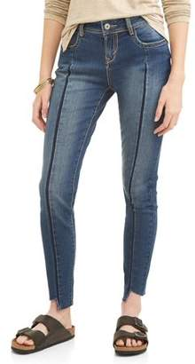 Wallflower Juniors' Pleated Front Frayed Hem Ankle Jeans