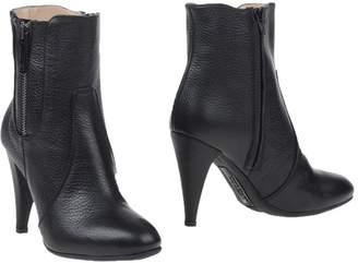 Alessandro Dell'Acqua Ankle boots
