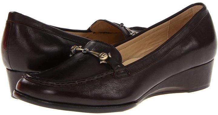 Taryn Rose Charsey (T. Moro Distressed nappa) - Footwear