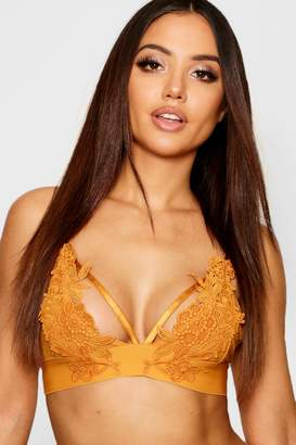boohoo Applique Strapping Bralet