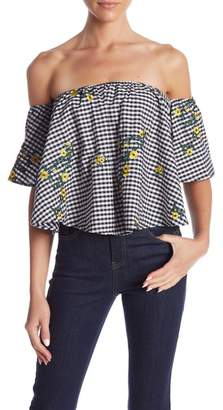 Romeo & Juliet Couture Off-the-Shoulder Gingham Print Floral Blouse