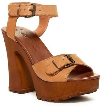 Musse & Cloud Noemi Wooden Lug Platform Sandal
