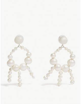 Dinosaur Designs Pearl garden stud earrings