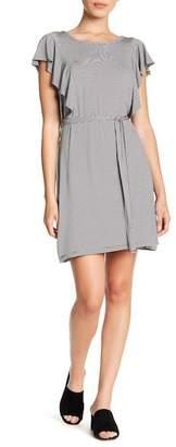 Como Vintage Striped Flutter Sleeve Dress (Petite)