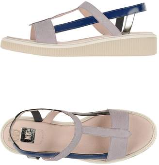 New Kid Sandals - Item 44936539