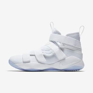 Nike LeBron Soldier XI FlyEase Basketball Shoe