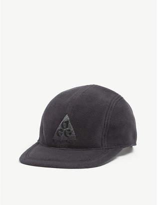 fa58482fe2248 Nike Embroidered logo fleece baseball cap