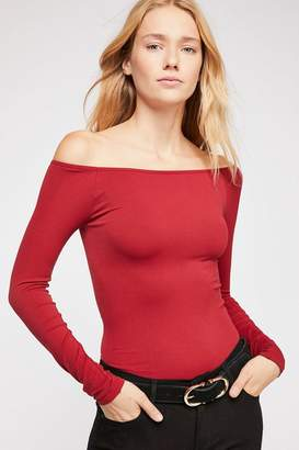 Intimately Off -The-Shoulder Solid Top