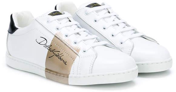 logo signature sneakers