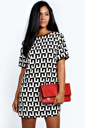 boohoo Monica Monochrome Woven Shift Dress