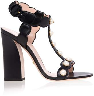 Gucci Willow Leather T-Strap Sandals