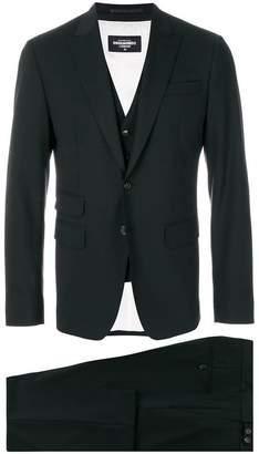 DSQUARED2 pocket detail three piece suit
