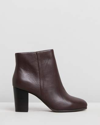 Vionic Kennedy Ankle Boots