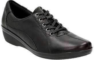 Clarks Everlay Elma Leather Lace-Up Womens Oxfords