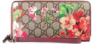 Gucci GG Blooms wrist wallet