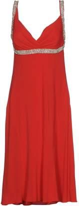 Clips 3/4 length dresses