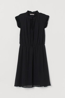 H&M Cap-sleeved Dress - Black