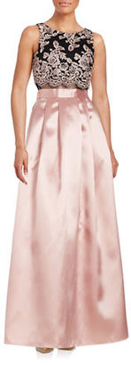 Betsy & Adam Floral Popover Gown $259 thestylecure.com