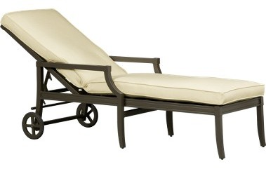 Palisade Chaise/Cushion
