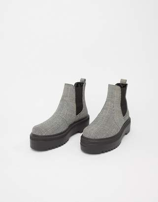 Asos Design DESIGN Agnes chunky chelsea boots in check