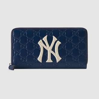 Gucci (グッチ) - ニューヨーク・ヤンキースTM パッチ ジップアラウンドウォレット