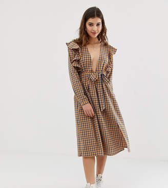 Glamorous midi dress with ruffle shoulders in gingham
