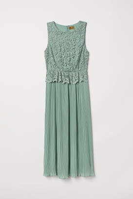 H&M Pleated Lace Dress - Green