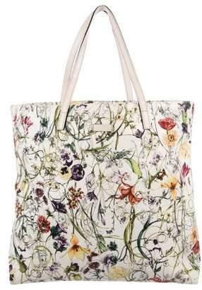 5c5ca6378616 Gucci White Open Top Handbags - ShopStyle