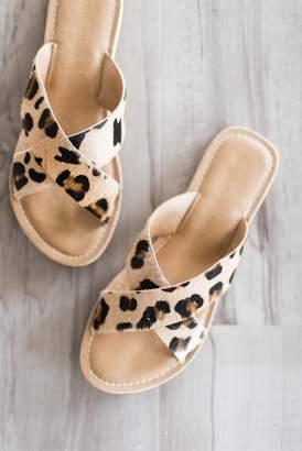 Pebble Leopard Slides