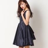 Backラッフルリトルブラックドレス /レッセパッセ 女の子をキュートに見せるプリンセスライクなドレスです。 大きなラッフルフリルやビジュー使いなど、パーティー