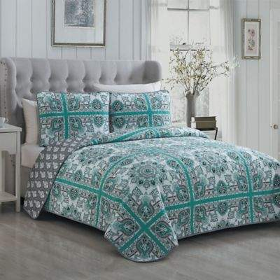 Della Reversible King Quilt Set in Mint