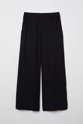 H&M Cropped Pants - Black
