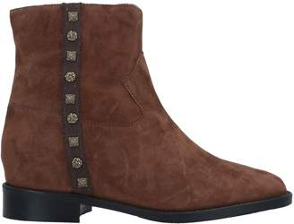 Cris VERGRÉ Ankle boots - Item 11669656NV