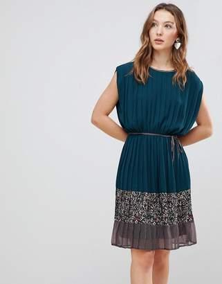 Deby Debo Verdo Mixed Print Dress