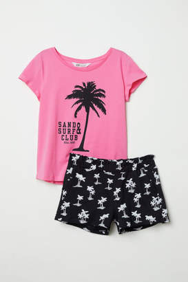 H&M T-shirt and Shorts - Pink