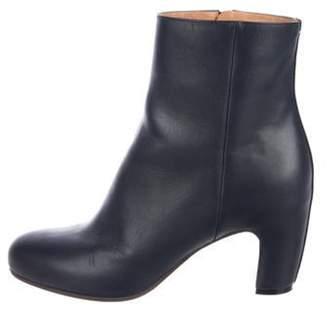 Maison Margiela Leather Round-Toe Ankle Boots Grey Leather Round-Toe Ankle Boots