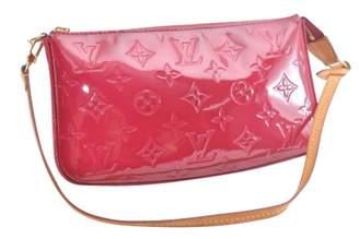 Louis Vuitton Pochette Accessoire patent leather clutch bag