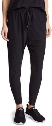 Beyond Yoga Women's Weekend Traveler Midi Sweatpants