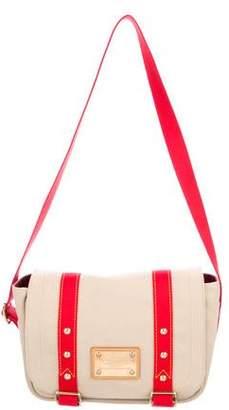 Louis Vuitton Antigua Besace Messenger Bag