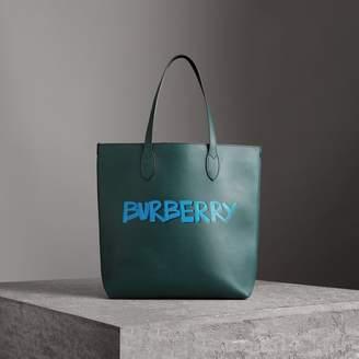 Burberry (バーバリー) - Burberry グラフィティプリント ボンデッドレザー トート