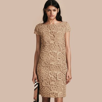 Burberry  Burberry Online Exclusive Swiss Lace Shift Dress