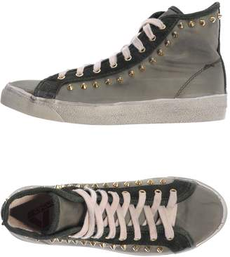 CYCLE Sneakers $188 thestylecure.com