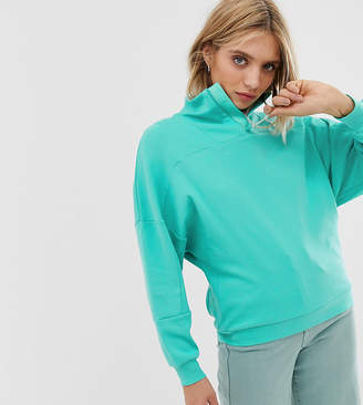 The North Face Light 1/4 zip in green