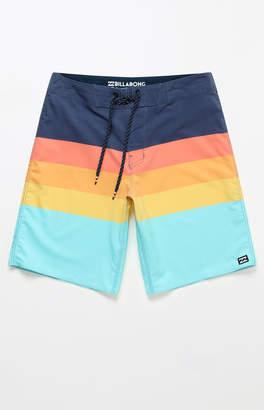 "Billabong Momentum X 18"" Boardshorts"