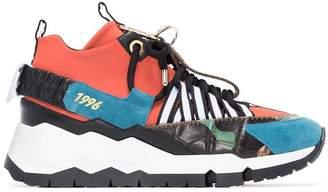 keyring-embellished low-top sneakers